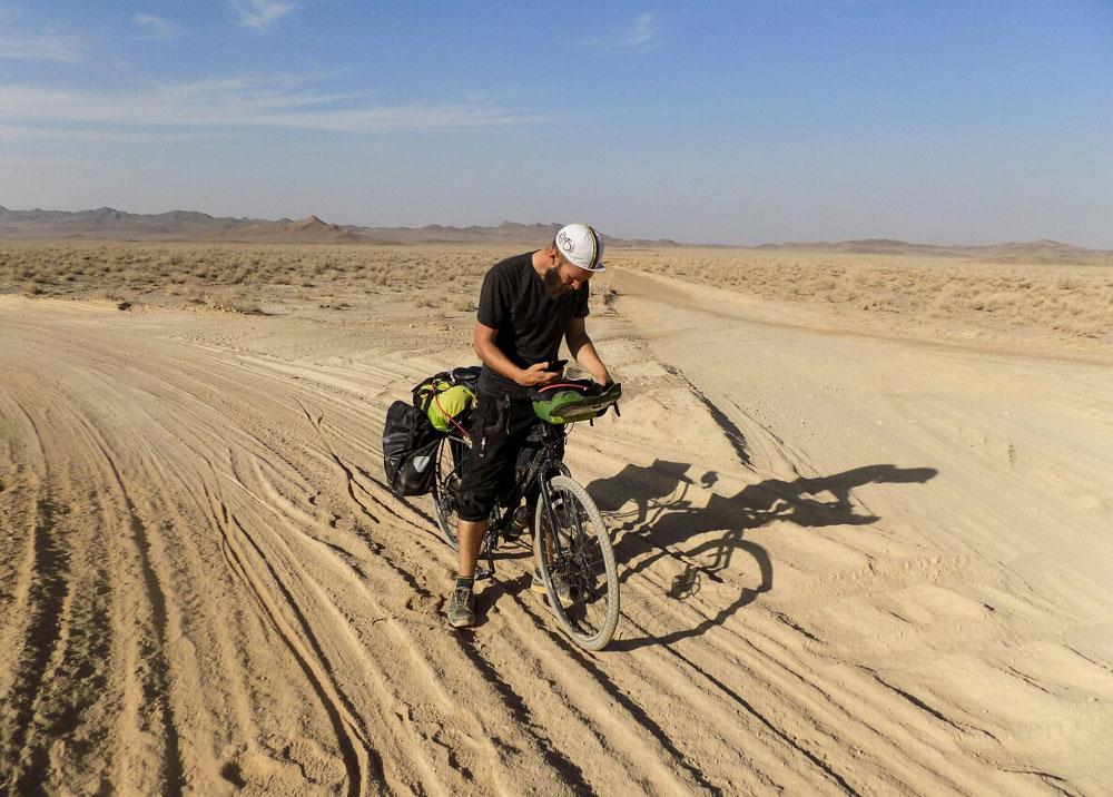 On essaye de se débrouiller avec le GPS pour choisir la route.. Ou alors selon celle qui nous tente le plus !