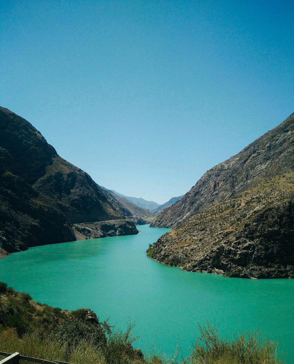 Rivière Naryn entre Karakol et Tashkomür