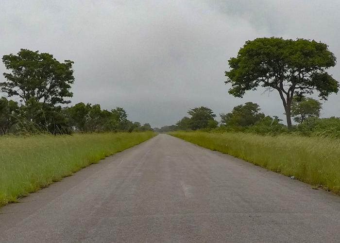 Ce que rouler au Botswana veut dire. Et c'est comme ça sur des kilomètres...