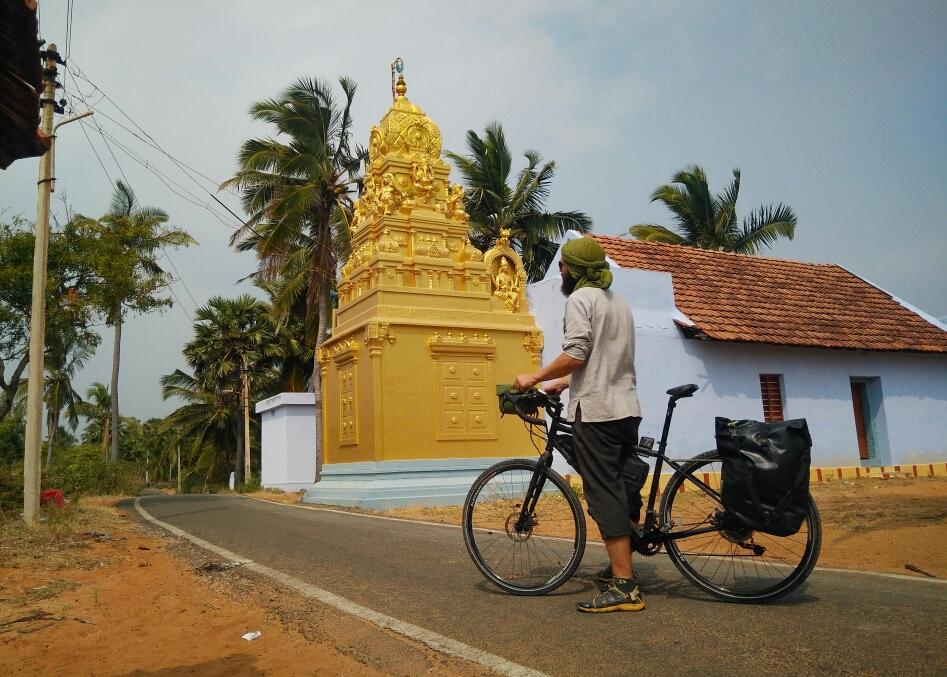 Des cocotiers, mais aussi des temples !