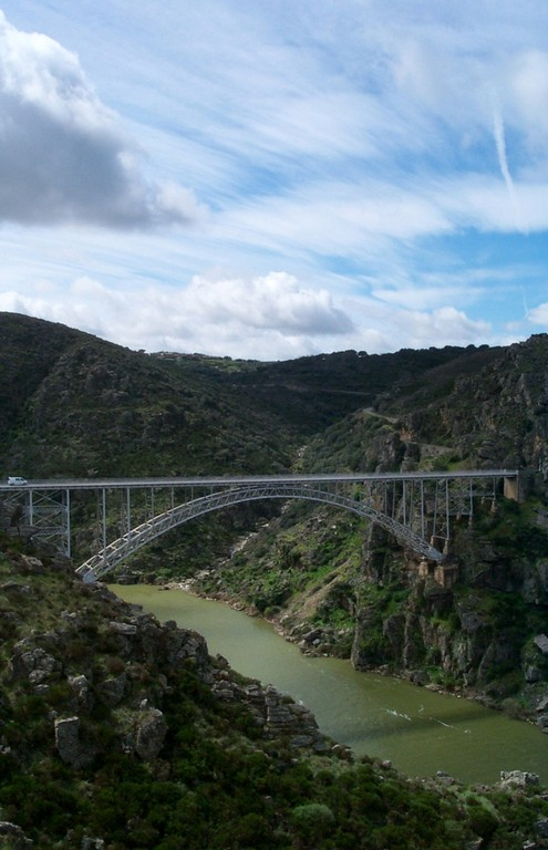 Manzanal Bridge