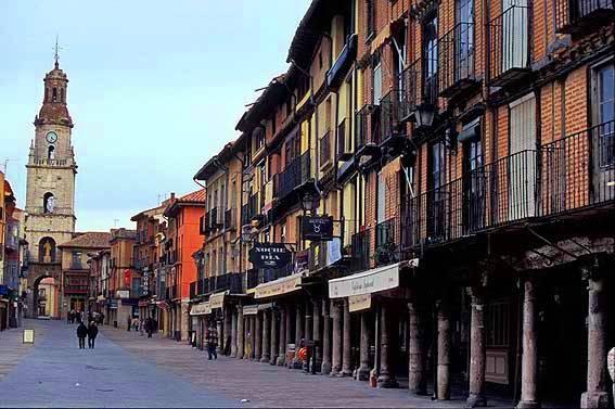 Main Street. Toro