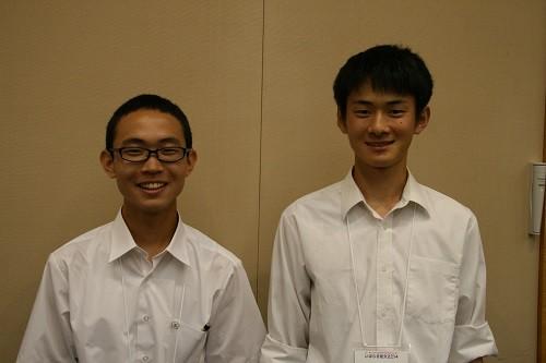 佐村雄斗君(左)、小林敬弘君(右)