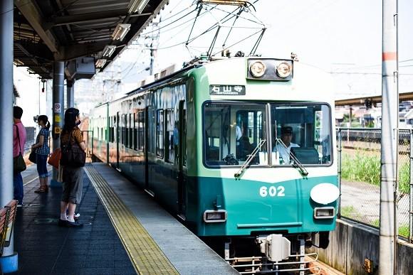 市内を走る京阪電車