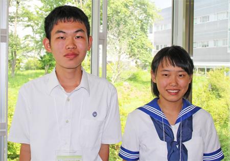 左から 緒方颯人くん(3年)、北岡実乃理さん(2年)