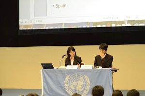 議長は模擬国連経験者の大学生です