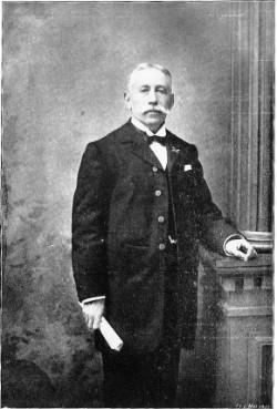 Silvain Wittouck uit Kortrijk schreef vanaf 1878 boeken over de postduivensport en heeft de geschiedenis van de Belgische reisduif heel precies nagegaan.