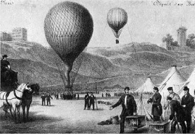 Luchtballonnen voor hun vertrek op de Place Saint-Pierre in Parijs 1870, let op de duivenhouders rechts