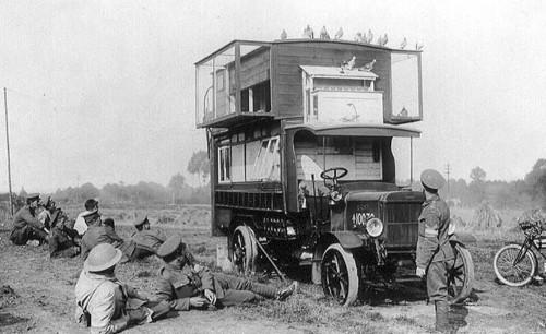 Een mobiel duivenhok uit de Eerste Wereldoorlog