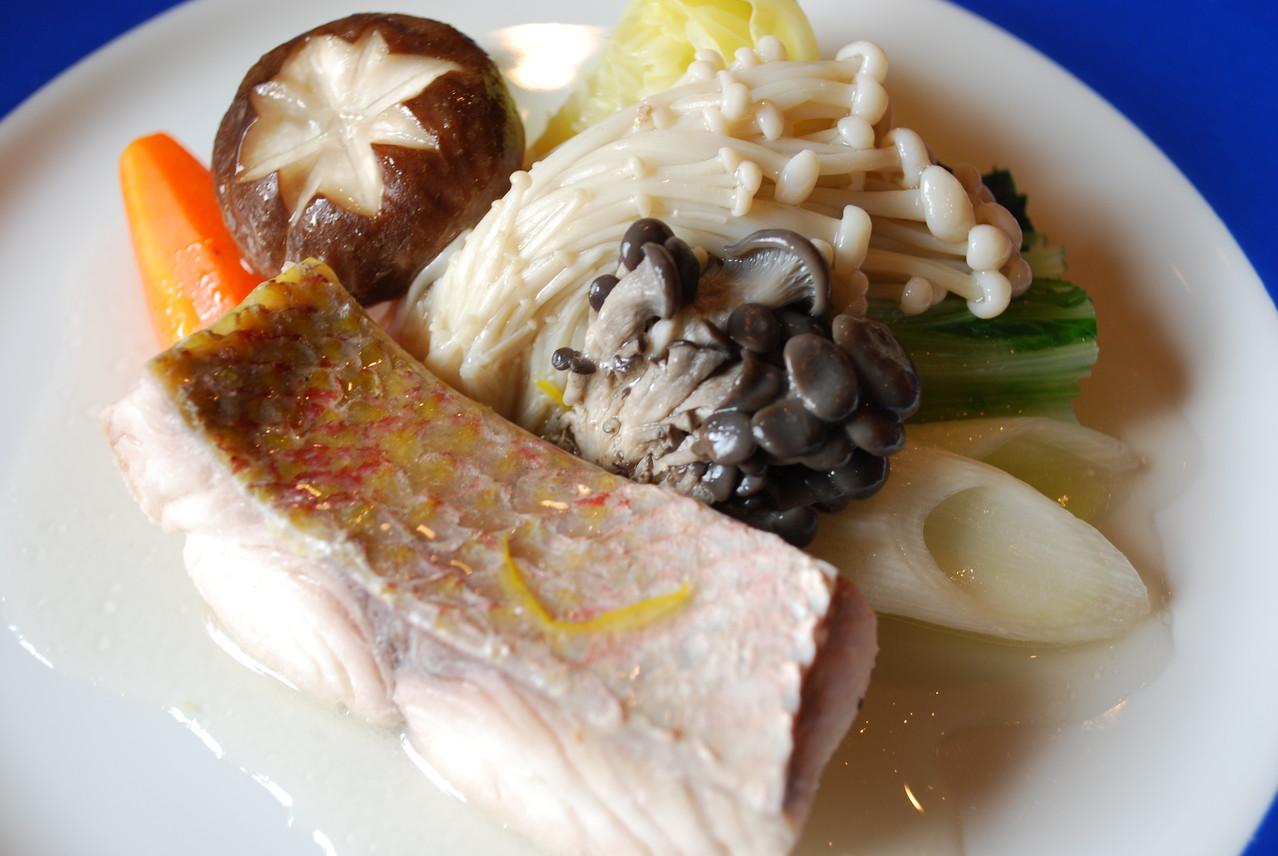 季節鮮魚のポワレ
