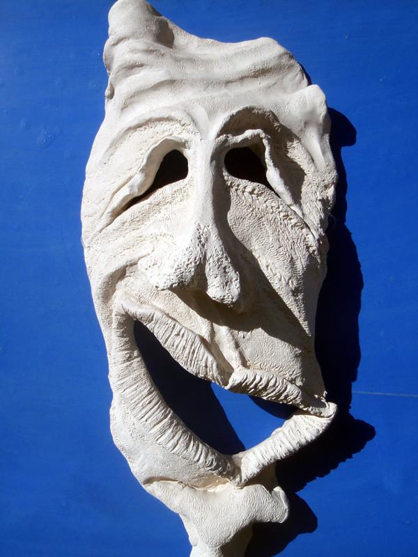 """Gute Miene"" 2003: Keramik: 54cm x 24cm x 13cm"