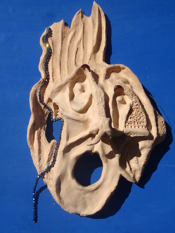 """""""Heiliger Strohsack!"""" 2002: Keramik: 39cm x 24cm x 10cm. Meine verstorbene Großmutter hat mich zu dieser Arbeit inspiriert."""