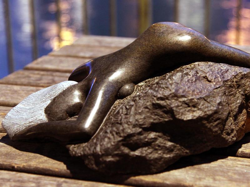 """L´Inspiration Française"": 2010: Springstone-Serpentin: 36cm x 24cm x 14cm"