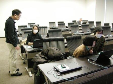 パソコン講習会の様子(パソコンクラブワン・ツー会)
