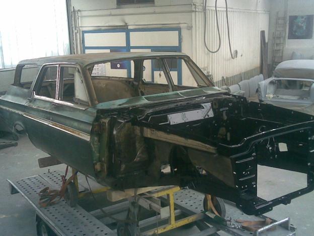 Plymouth Motorraum und unterboden Restauriert