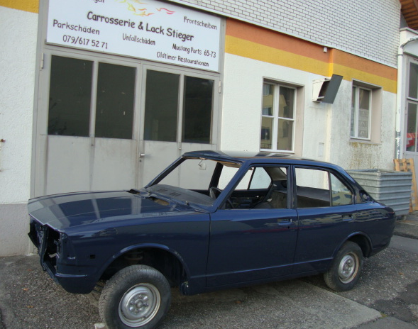 Toyota Corolla 1974 Neulackiert