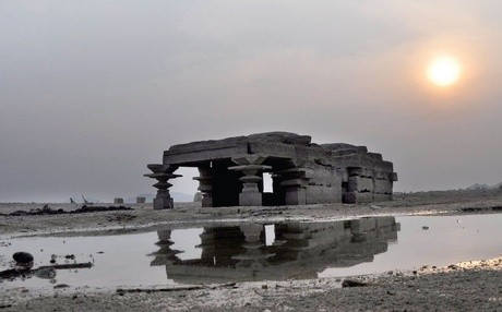Los casi 1.000 años de antigüedad Shambhu Lingeshwara templo