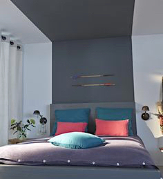 Idees Deco Ocre Bleu Une Agence Immobiliere Differente