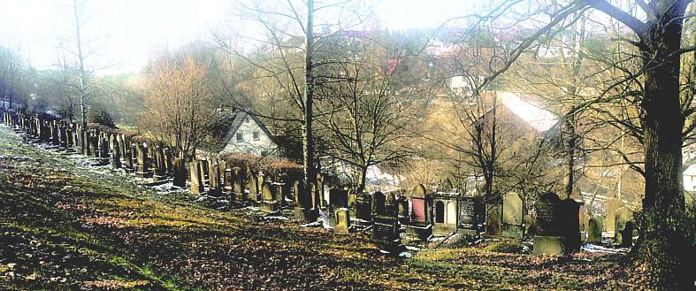 Auf dem neuesten Teil des jüdischen Friedhofes in Burghaun