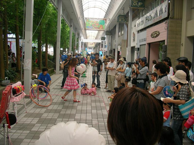 大道芸の共演 カナちゃん