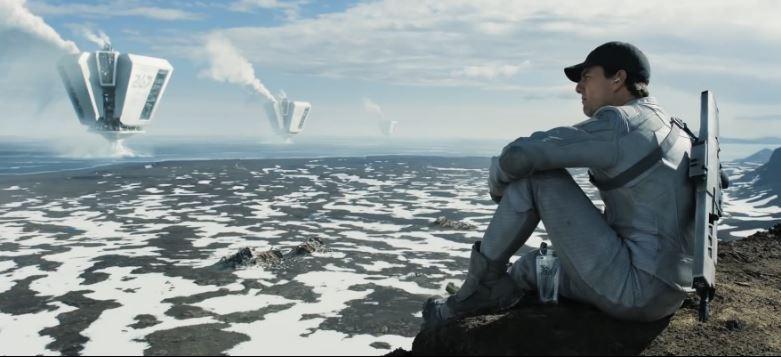 """Riesige Pumpen, """"Türme"""", saugen das Wasser der Erde ab, Jack wartet die Dronen, die die Türme beschützen"""