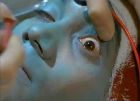 die Aliens haben grüne Haut, da sie auf ihren langen Raumflügen spezielle Luft atmen