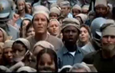 besonders eindringlich sind die Massenszenen zu Beginn des Film