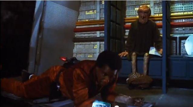 """""""Kümmer dich um ihn"""", wird Roscoe gleich sagen, schon der Anfang des Films zeigt, wo es lang geht"""