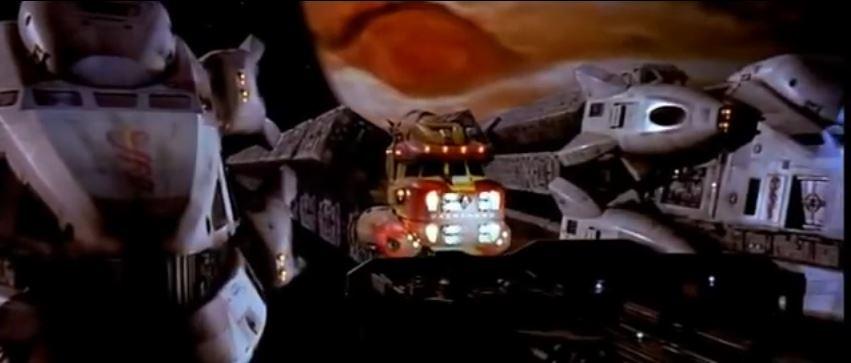 John Canyon fliegt seinen eigenen Spacetruck...und gerät öfter mal mit der Polizeit in Konflikt