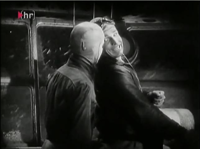 Buck Rogers und Buddy Wade verunglücken auf einem Ballonflug im Jahr 1938 und werden eingefroren