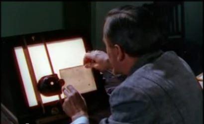Dr. Emery Bronson entdeckt Bellus und Zyra