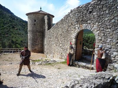 La défense du château par ses gardes et son capitaine