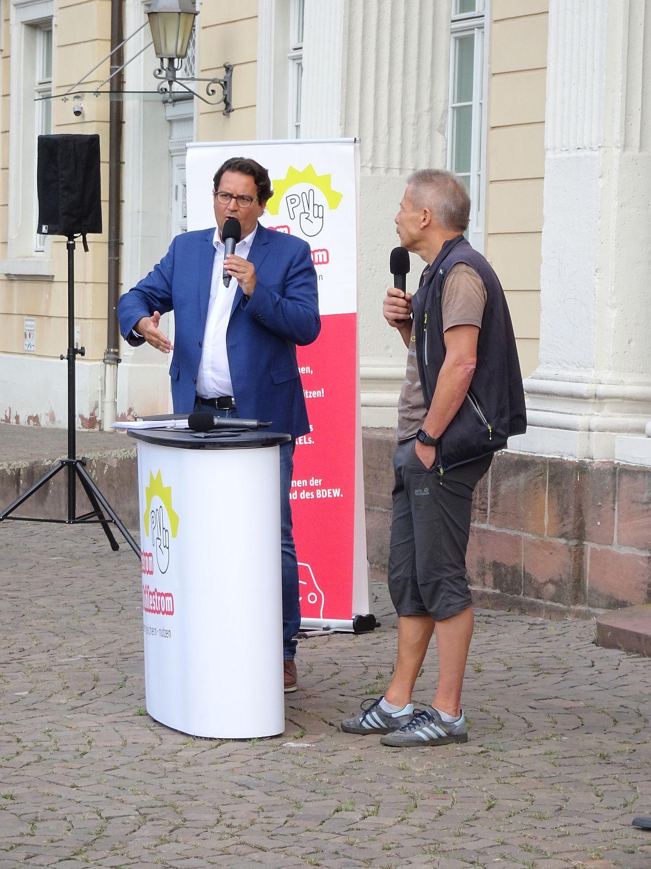 Stellungnahmen zum Referentenentwurf von Moderator Frank Farenski und Wulf Kraneis (REG.eV)