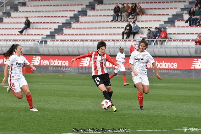 Erika en la acción del 1-0 - Foto: Natalia Melcón