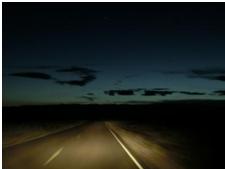 Fahrt durch die dunkelste Nacht