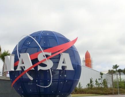 Eingang zum Visitor Complex des Kennedy Space Centers