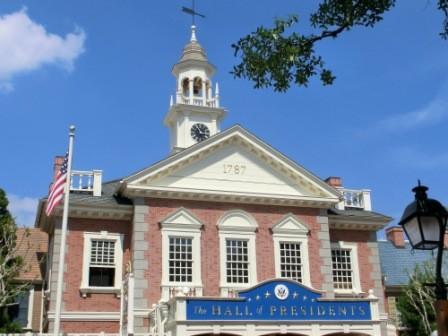 Hall of Presidents - super interessant, sieht aus wie die Independence Hall in Philadelphia, die Liberty Bell steht auch davor