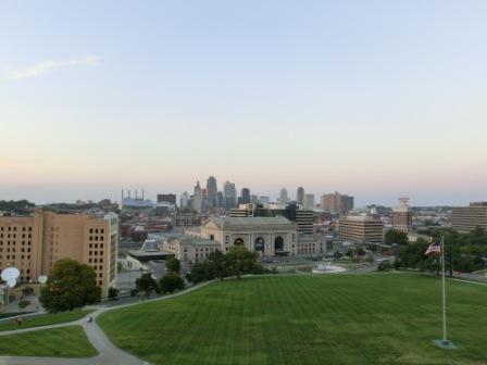 Blick vom Liberty Memorial auf die Stadt