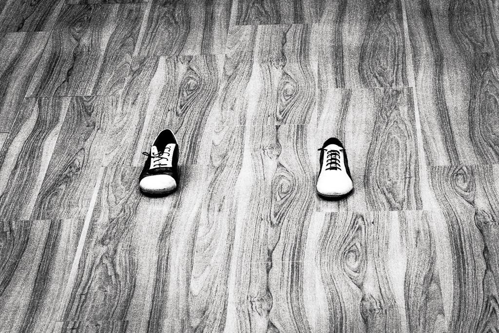 Схема ритмического рисунка милонги. Базовый ритм: правый ботинок — сильная доля, левый — слабая