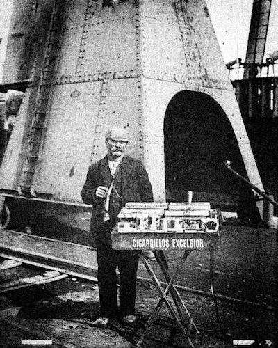 Буэнос-Айрес, 1900-1905. Продавец сигарет
