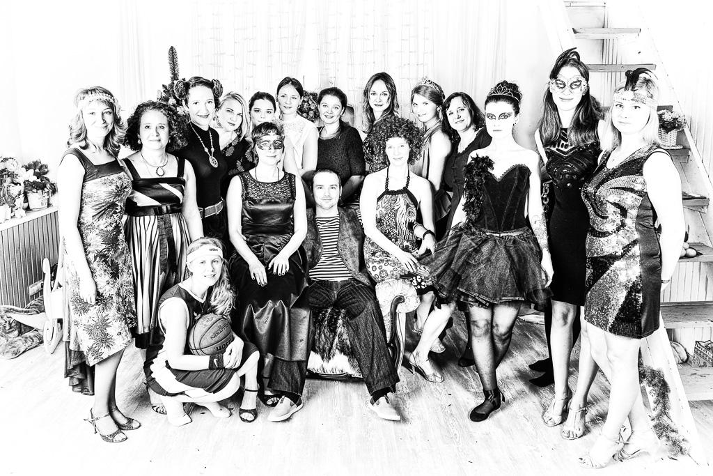 Школа аргентинского танго еТанго (eTango). Преподаватели. Юрий Вердеревский. Фото с ученицами