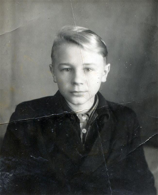 Анатолий Петрович Дроздецкий, ученик 7 класса Кицковской школы. Фото 1952г. Уроженец деревни Мацково.