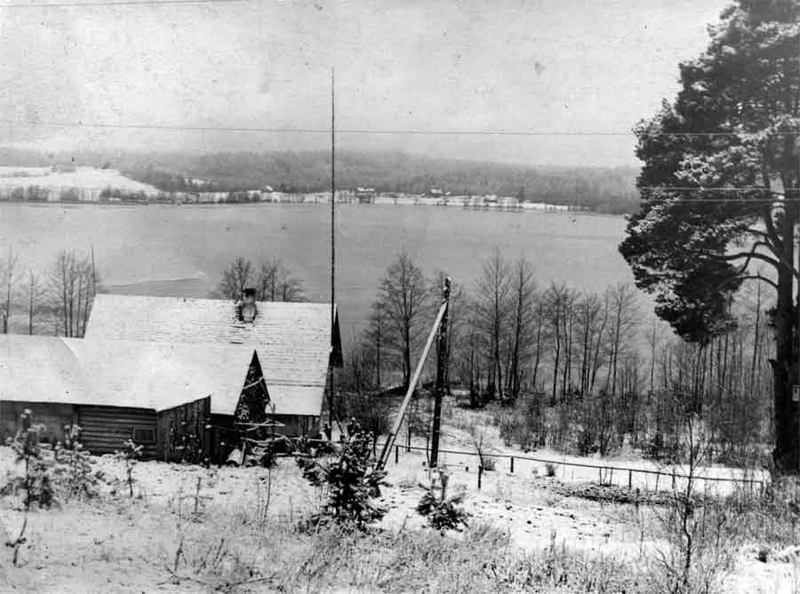 Вид на Гвозды от нового кладбища. Фото 1960-х гг. Леонида Терентьевича Перепеча