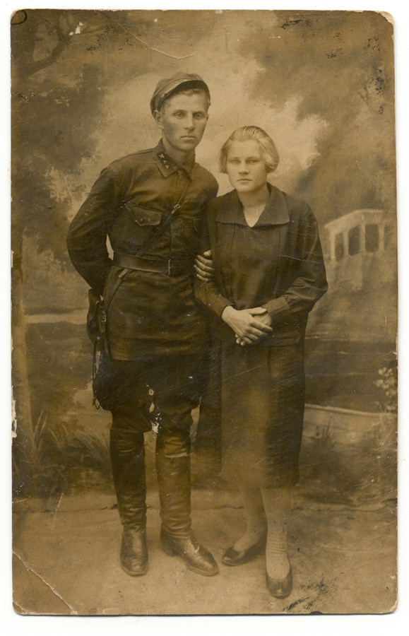 Дроздецкий Пётр Алексеевич и Дроздецкая (Гришмановская) Вера Прокопьевна Фото 1930-го года.