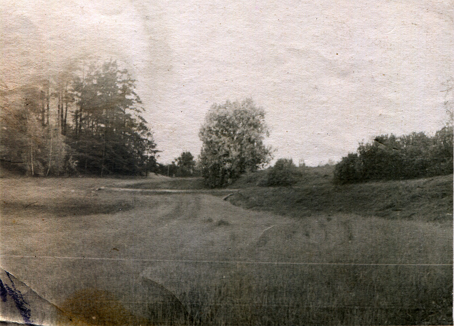 Кицково. Слева старое кладбище. Фото 1950-х гг. Л.Т.Перепеча