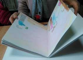 1冊の手づくり絵本を創作してみるコースの絵本製本画像
