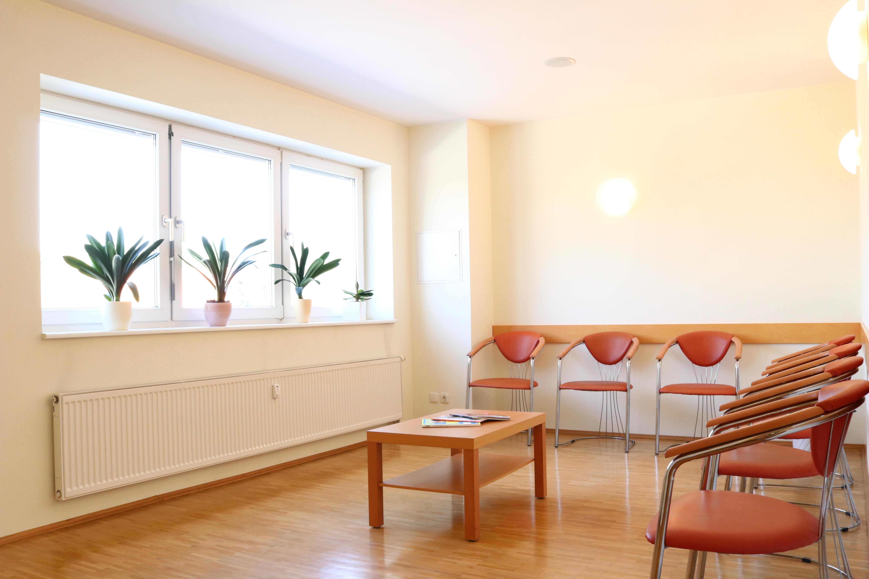 so erreichen sie uns 1534852845s webseite. Black Bedroom Furniture Sets. Home Design Ideas