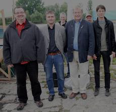 v.l. Michael Ziesak (VCD), Dr. Christian Stierstorfer (LBV), Prof. Dr. Hubert Weiger und Georg Kestel (BN), traten auf der Kundgebung entschlossen für die freifließende Donau ein - Fotos: Summer