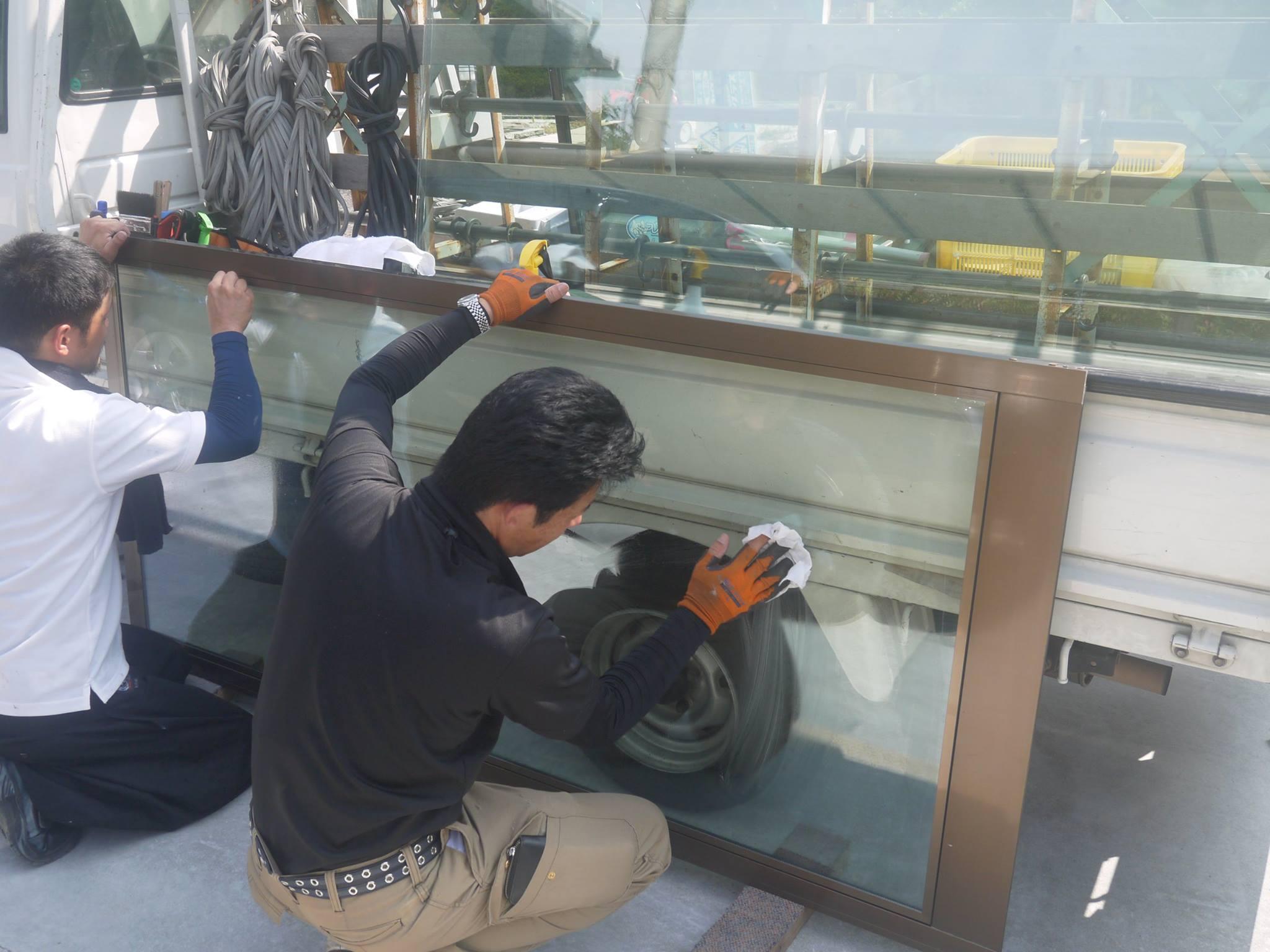 某住宅リフォーム工事。シングルガラスをペヤガラスに交換しました。合計6枚の取り替えで、約2時間の工事。