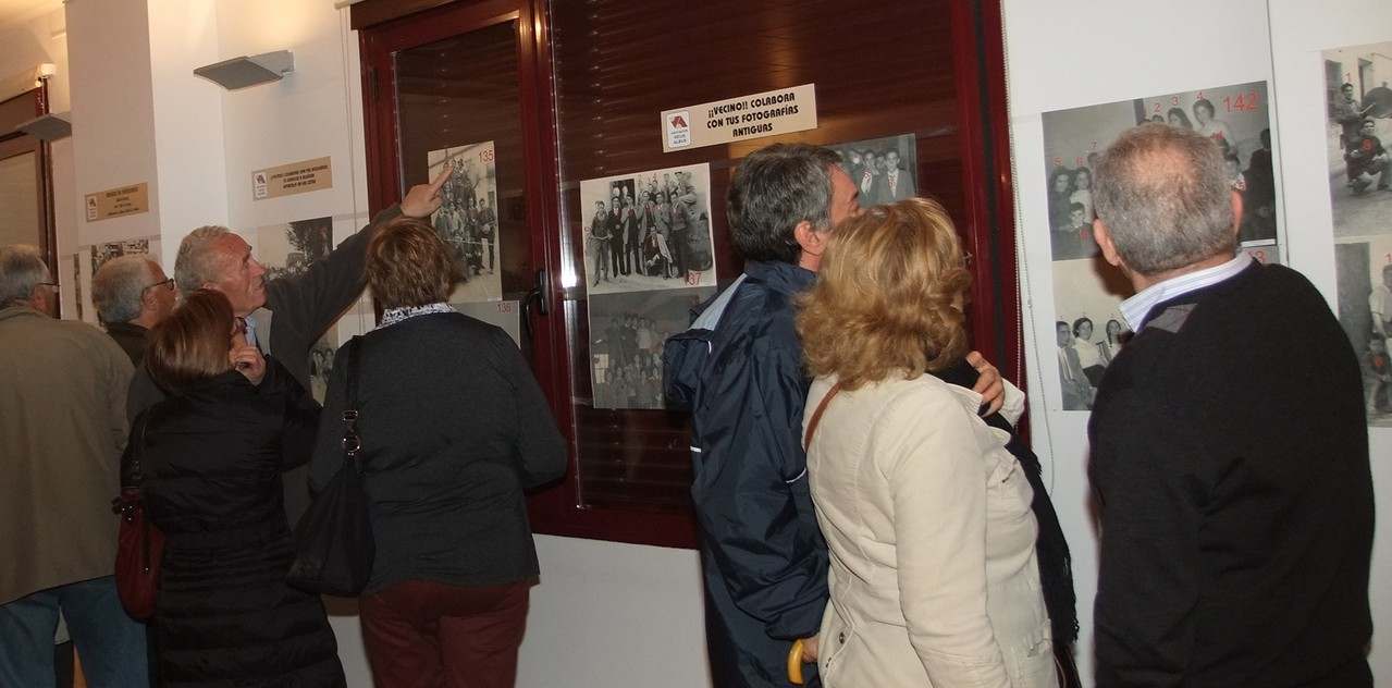 Abril. Exposición de Vicus Albus con imágenes antiguas de los vecinos.